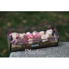 Букет из живых цветов в пенале