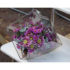 Букет из живых цветов в кубе